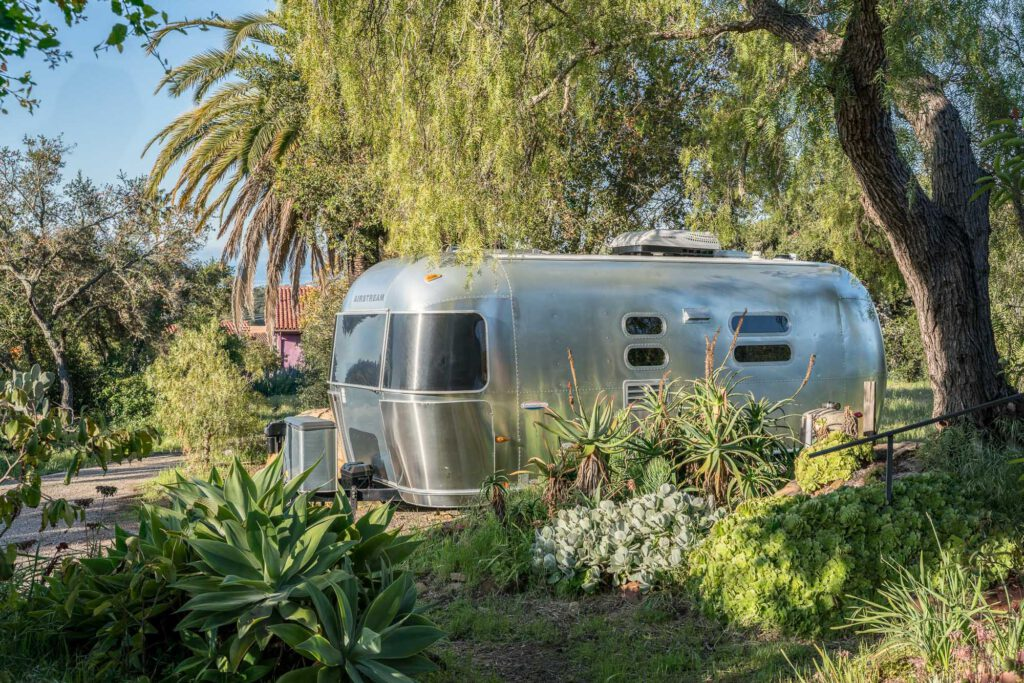 studio luminous 2006 international airstream